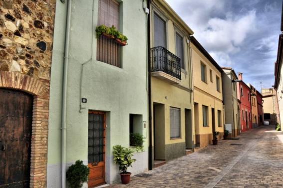 Discovers Llagostera